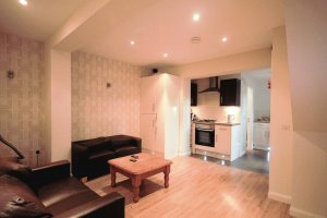 Student House - Open plan living area with kitchen in Preston